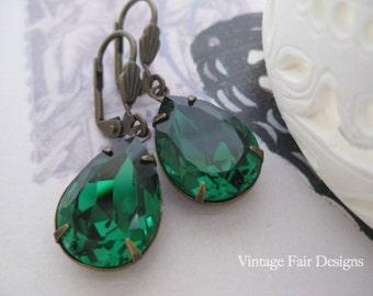 Estate Style Swarovski Emerald Green dangle Earrings leverback crystal earrings
