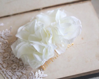 IVORY Bridal Hair Flower Wedding Flower Comb Bridal Headpiece Vintage Inspired Wedding Fascinator Bridal Flower Hairpiece Rustic Pearls