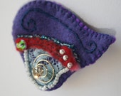 Abstract heart shaped felted brooch  - Embroidered Brooch - Handmade