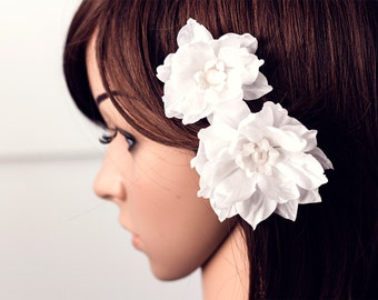White hair flowers, Floral hair accessories, Hair clip flower, Bridal hair flower, Flowers hair, Wedding hair accessory, Floral hair piece.