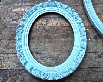 Frame, 11 x 13 Frame, Gesso Oval Oval Frame, Robins Egg Blue Painted Frame, Rustic Picture Frame, French Country Cottage Shabby Wall Hanging