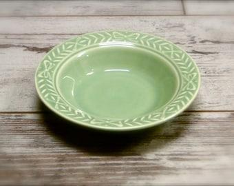 Universal Potteries Small Bowl // Laurella Pattern // Pale Jade Green // 1940s Vintage Kitchen Dinning