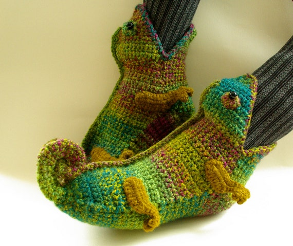 Crochet Chameleons : crochet slippers, chameleon slippers, novelty slippers, lizard, gecko ...
