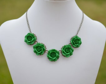 Emerald Green Roses Centered Necklace, Five Emerald Green Roses Bip Necklace, Green Flower Bip Necklace