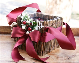 Flower Girl Basket, Christmas Flower Girl Basket, Winter Wedding Basket, Rustic Basket, Woodland Basket, Holiday Basket Holly Basket Xmas