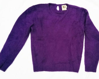 Vintage 70's Ladies Angora Lambswool Keyhole Back Sweater - S