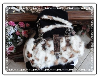 Vintage Furry Purse  - Must C Absolutely Darling Vintage Furry Purse with Faux Alligator Trim  PR-042a-080714007