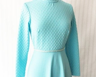 Vintage 70s turquoise blue maxi dress/ NWT NOS/ long sleeve/ aqua dress/ unique nubby bodice/ Trevira/ beaded waist band