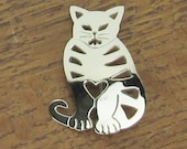 Sterling Silver Cat heart brooch pin Mexican silver jewelry Mexico .925 vintage 1980 16 grams