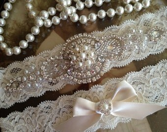 SALE-Wedding Garter-Garter-Bridal garter-Pearl-Ivory Lace-Rhinestone-Applique-Pearls-Belt-Ivory-Vintage-Stretch lace