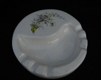 Ceramic Ash Tray: Small decorative ash tray
