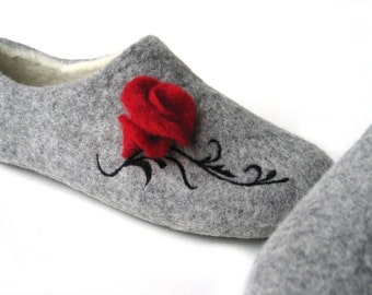 Spring fashion Girlfriend gift Felt in handmade slippers Home slippers with ornaments Wool slippers with red rose Womens clog boot