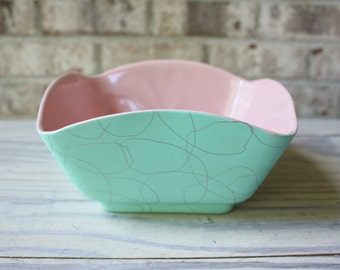 Mid century vintage Shawnee pink and turquoise bowl serving dish spaghetti pattern