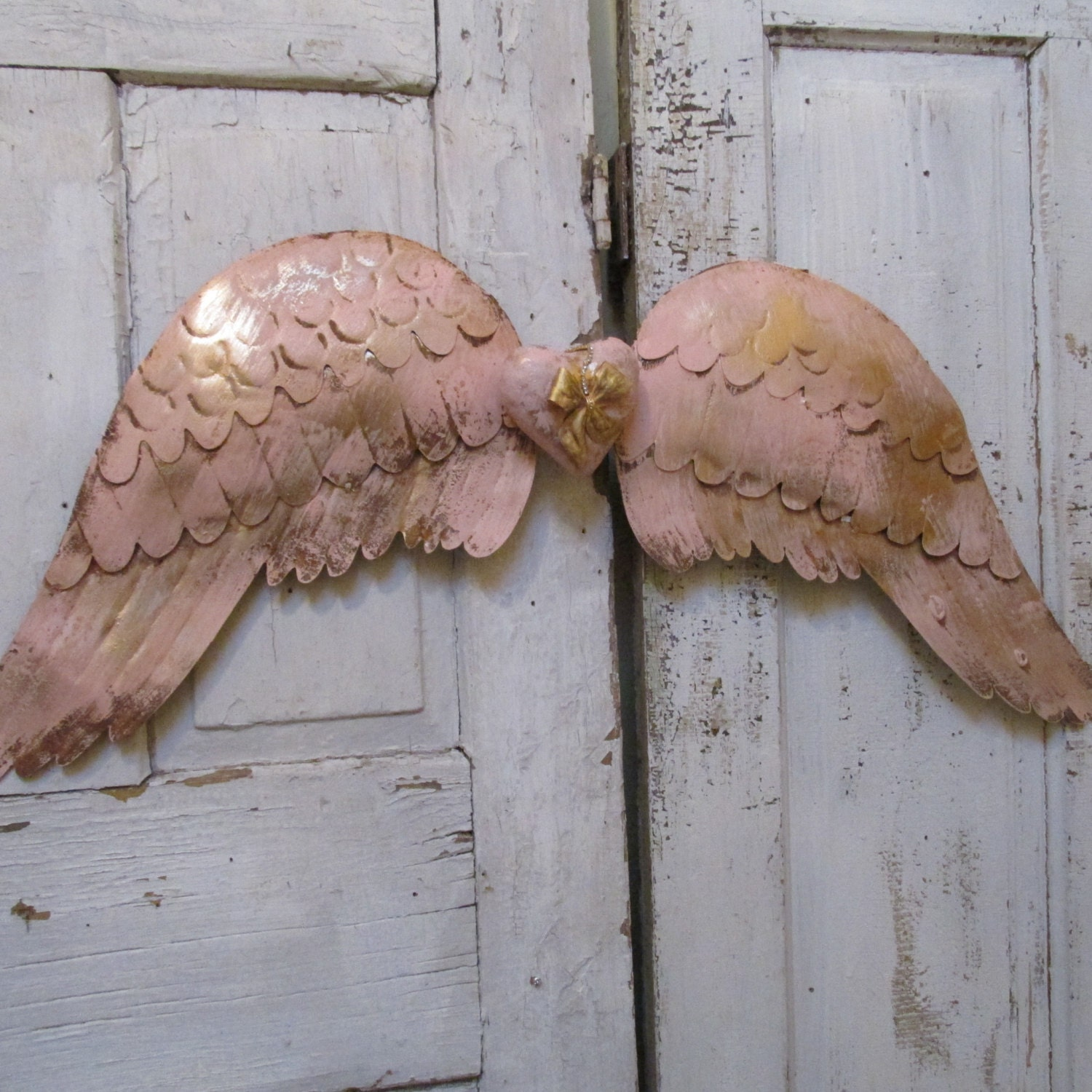 Pink metal tin angel wings wall decor with centerpiece for Angel wings wall decoration