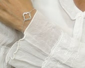 Clover Bracelet in Sterling Silver / Small Clover Bracelet / Simple Everyday Jewelry / Delicate Clover Bracelet  / Good Luck / Valentine's