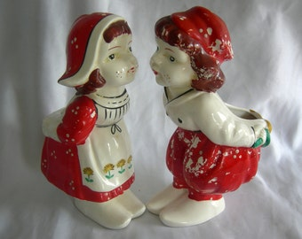 Pair of Kissing Dutch Boy & Girl Wall Pockets Planter Vases | Unsigned | Vintage Circa 1940 - 1950