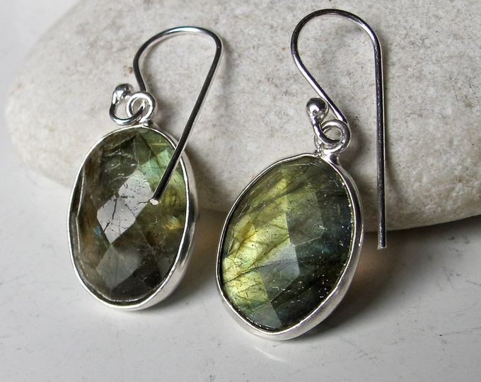 Classic Oval Labradorite Earring- Faceted Labradorite Drop Earring- Everyday Dangle Earring- Unique Gemstone Earring