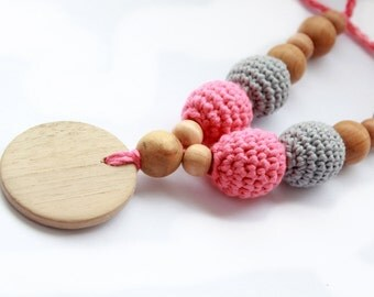 Organic Cotton Nursing Necklace in Natural Colors- Crochet Nursing Necklace- Teething Necklace- Breastfeeding Jewelry- Wooden Teether