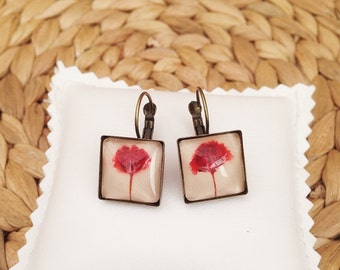 Pressed flower, botanical Earrings, red flower earrings, square earrings, terrarium earring, red earrings, handmade jewelry, nature jewelry