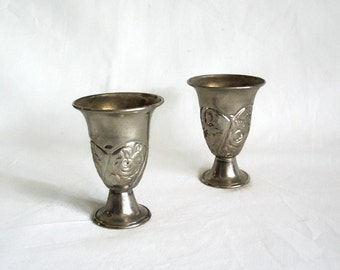 Pair of goblets, vintage metal cups, chisel hammered flowers, floral engraving, pedestal. Shot glasses, home bar decor, Drinkware, barware