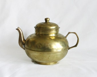 All brass vintage TEAPOT, country charm, rustic decor kettle, tea pot. Alice tea party. Farmhouse cottage, Cozy kitchen