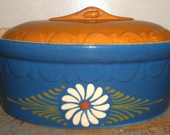 Vintage Casserole, Crock Pot, Blue, Daisy, Large Serving Dish, Crock, Crock Bowl, Covered Dish