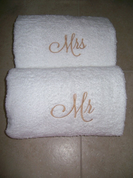 Mr and mrs embroidered bath towels wedding gift for Embroidered towels for wedding gift