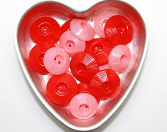 Pink and Red Vintage Plastic Buttons*Heart Tin Mold*Valentines Day