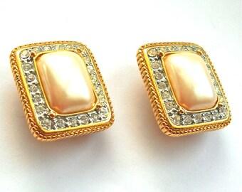 JOAN RIVERS Vintage Designer Classic Faux Pearl & Rhinestones Clip Earrings c1980