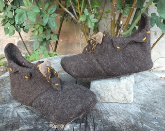 High slippers, booties, pixie booties made of brown felt with orange details