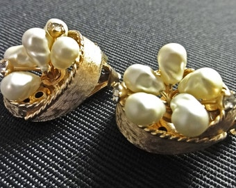 Vintage Gift, Bridal Pearl  Earrings, Bridal Jewelry, Vintage Pearl Earrings, Vintage Wedding, Vintage Pearl Earrings, Retro Weddng Jewelry,