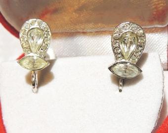 Vintage Earrings...Vintage Crystal Earrings Jewelry