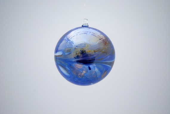 e00-62 Medium Iridescent Ornament Dark Blue