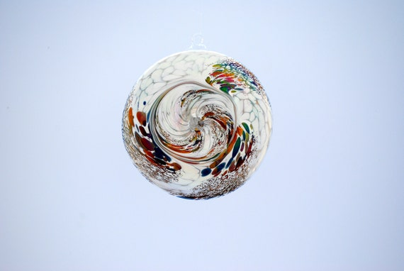 e00-65 Flat Iridescent Disc Ornament White.