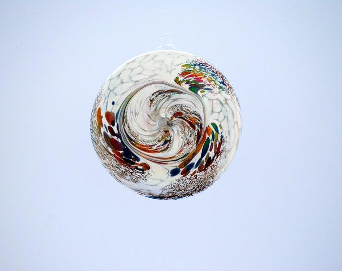 e00-65 Flat Iridescent Disc Ornament White.