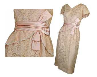 Vintage 50s Wiggle Dress Beige Lace Party Dress Satin Bow Trim Hip Swag