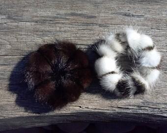 2 PCS Mink fur scrunchies, medium poms.