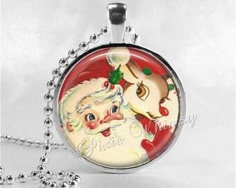 SANTA CLAUS Pendant Necklace, Retro Christmas Jewelry, Santa Claus, Kitsch Kitshy Christmas Jewelry, Vintage Christmas Reindeer