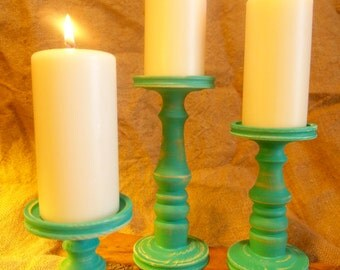 Primitive Pillar Candle Holder Set of 3 in Emerald Green
