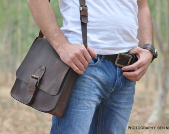 Classic handcrafted brown leather bag Messenger bag Retro