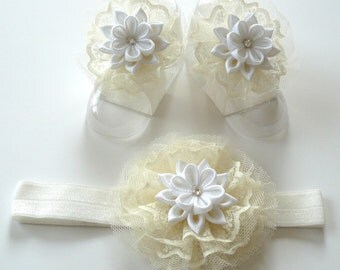 Baby Headband and Baby Barefoot Sandals. Baby shoes. Baby headband. Cream/ White Baby Girl Accessories