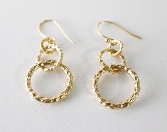 Gold links earrings