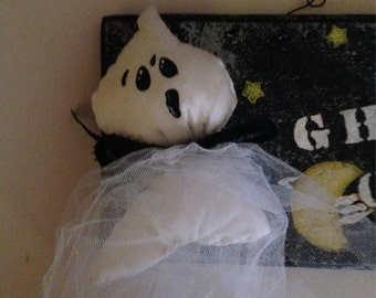 Ghost Halloween Wooden Sign