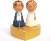 Personalized cake topper Personalized wedding cake topper Mr and mrs cake topper figurine Bride and groom cake topper people Peg doll topper
