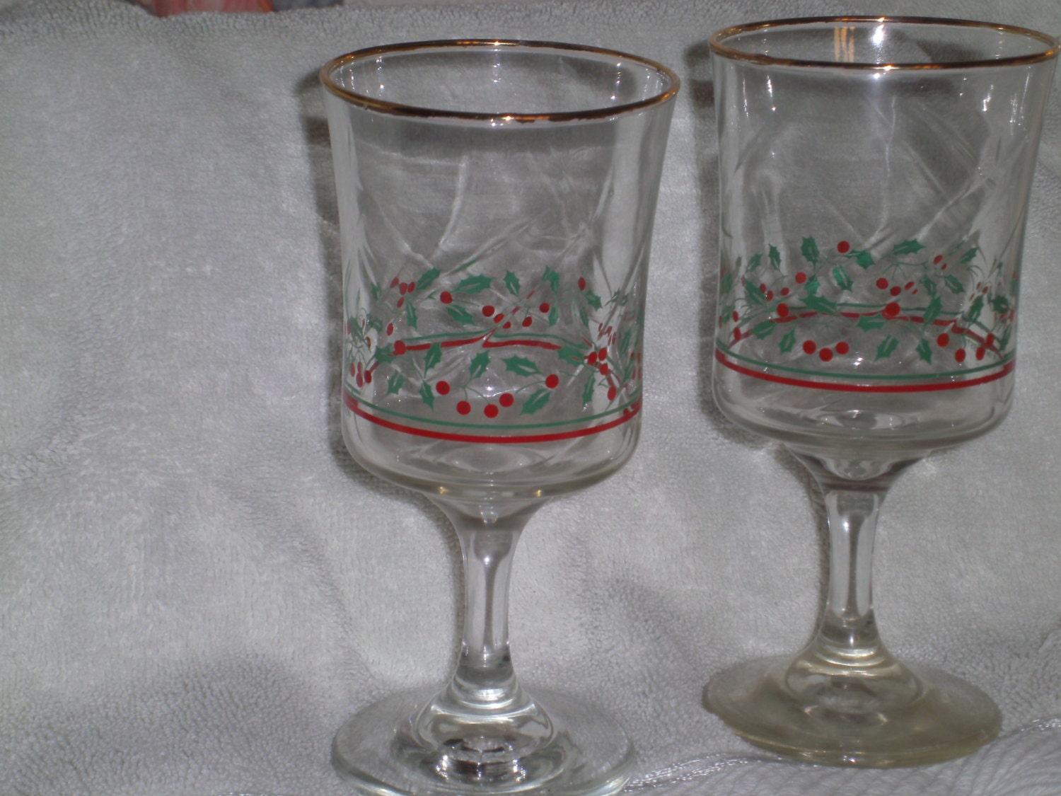 2 arbys 1986 christmas holiday water goblet stemware glasses for Holiday stemware