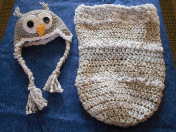 Crochet Pattern For Minion Baby Outfit : Crocheted Snuggly Warm Baby Owl Hat and Cocoon Bunting