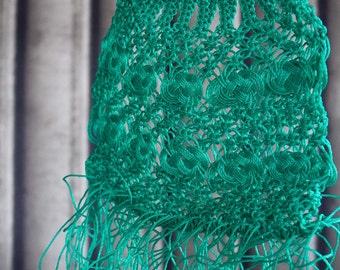 Large vintage Green tassled crochet tote/shopper 1940s 1950s bag cane handle