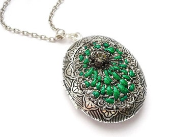 Green necklace locket - polymer clay jewelry necklace, vintage jewelry unique gift for her, polymer clay necklace - polymer jewelry pendant