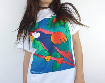 SALE Vintage 90s Colorful Parrot Tee