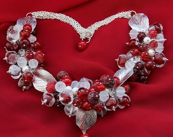 Glass lampwork necklace with cranberries and ice. Red and silver color.